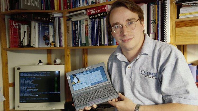 Linus-Torvalds-linux-un-mucidi
