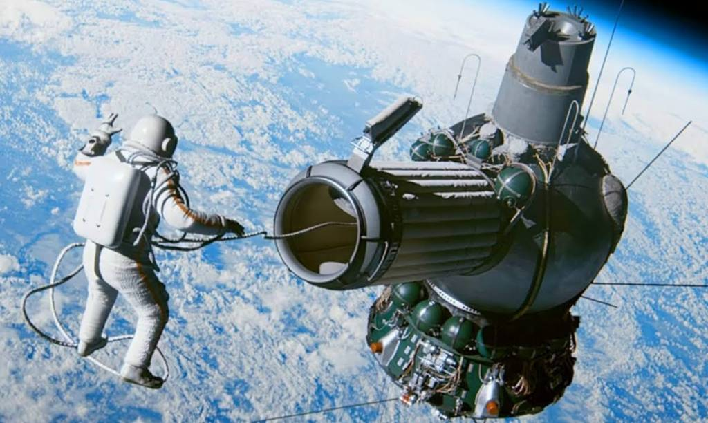 ilk-uzay-yuruyusu